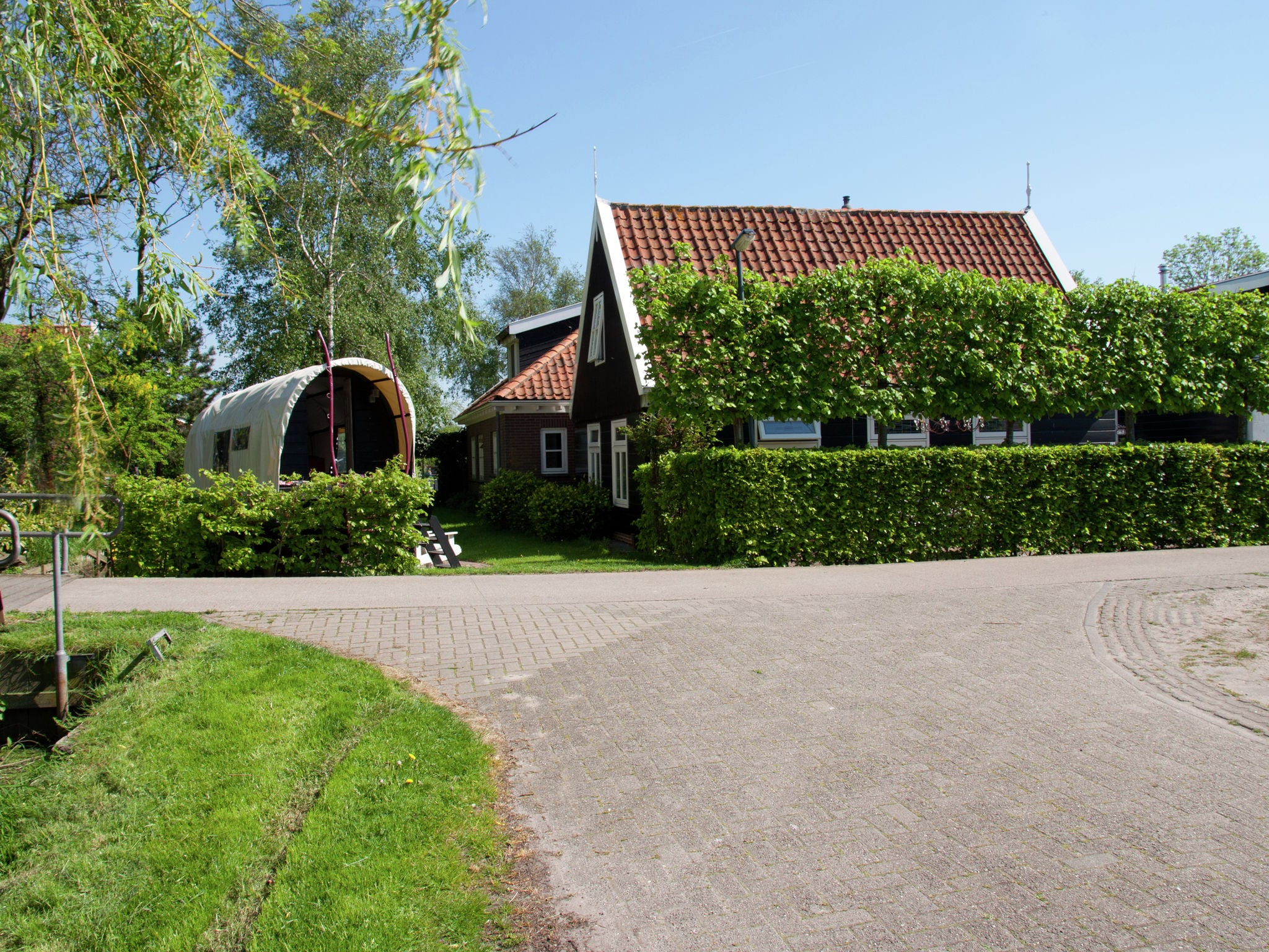 Holland | North Sea Coast North | Holiday home De Woude | all year | ExteriorSummer