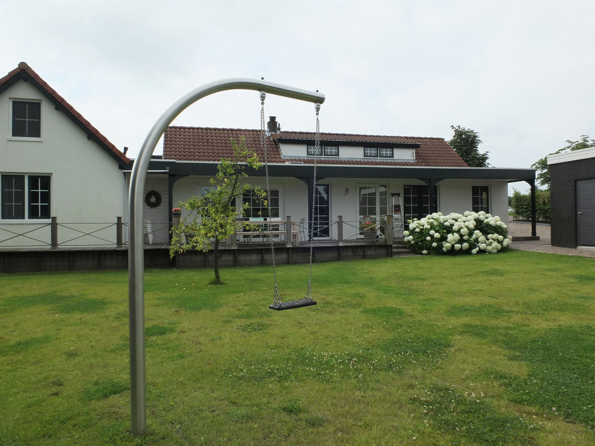 Holland | North Sea Coast South | Holiday home Het Dijkhuys | all year | GardenSummer