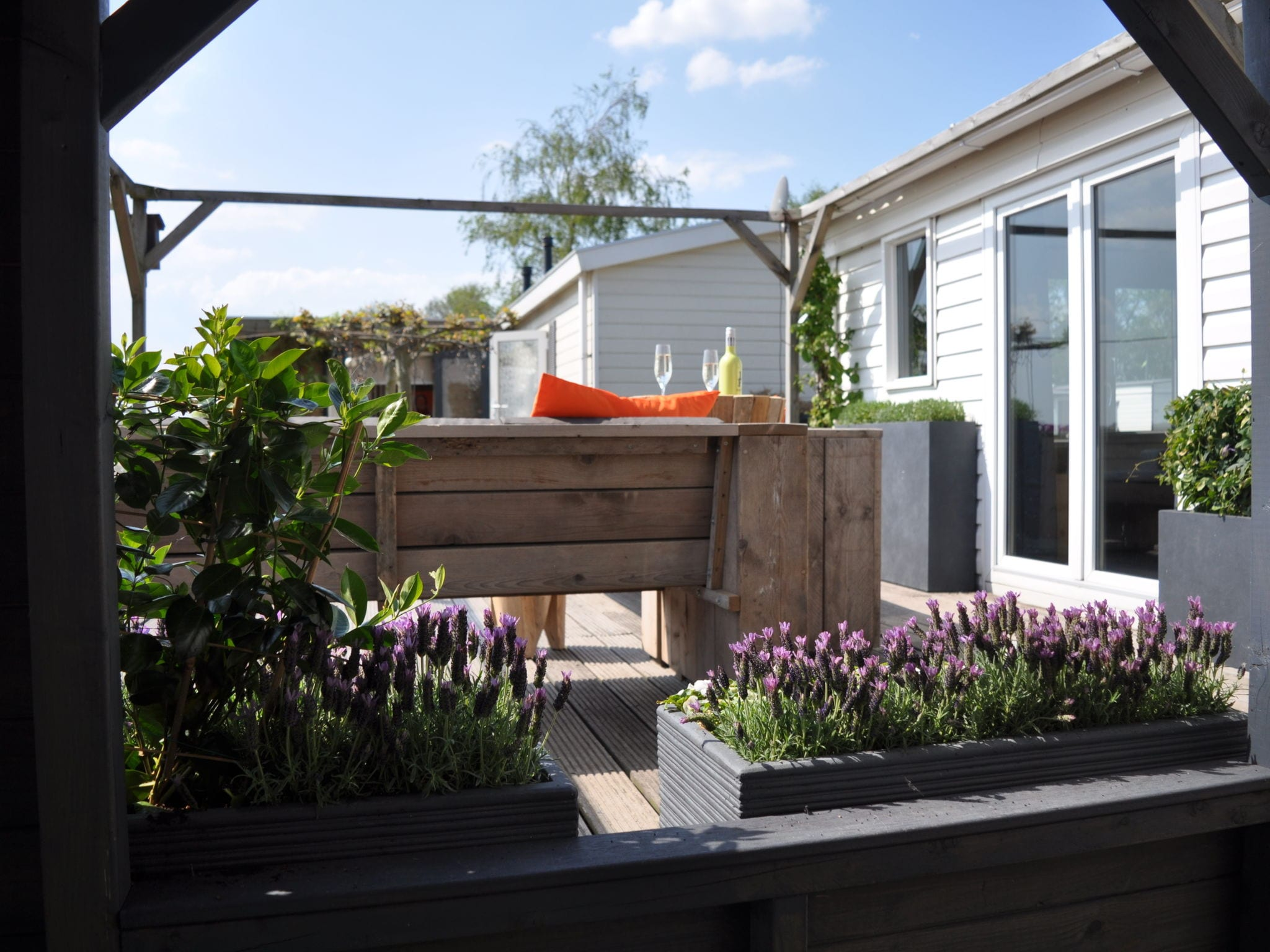 Holland | Friesland | Holiday home Terherne Beach | all year | GardenSummer