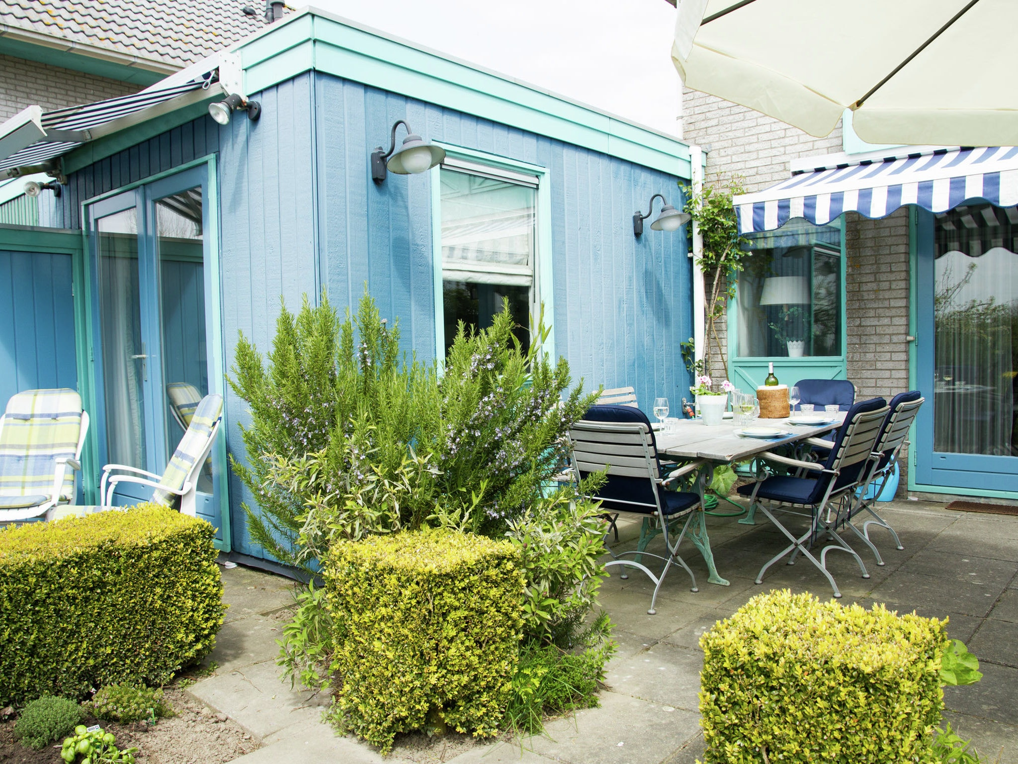 Holland | Zeeland | Holiday home 't Schippershuys | all year | GardenSummer