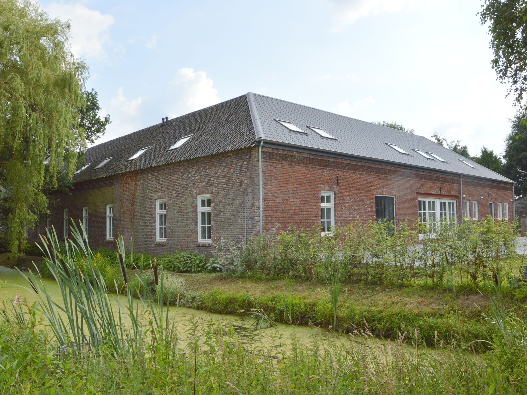 Holland | Limburg | Holiday home Kasteelboerderij Gunhof | all year | ExteriorSummer