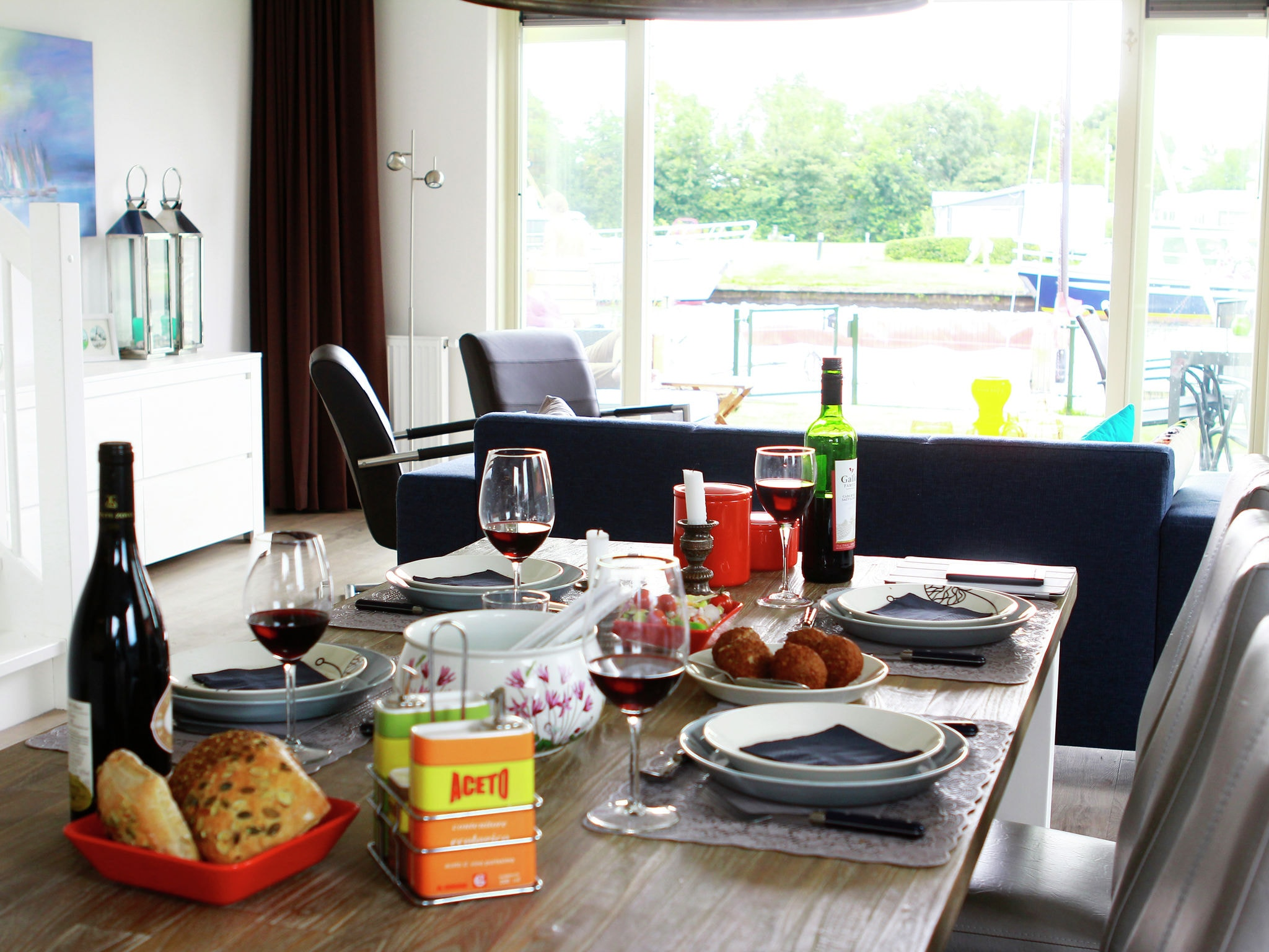 Holland | Friesland | Holiday home Tusken de Marren - Sneekermeer 6 | all year | LivingRoom