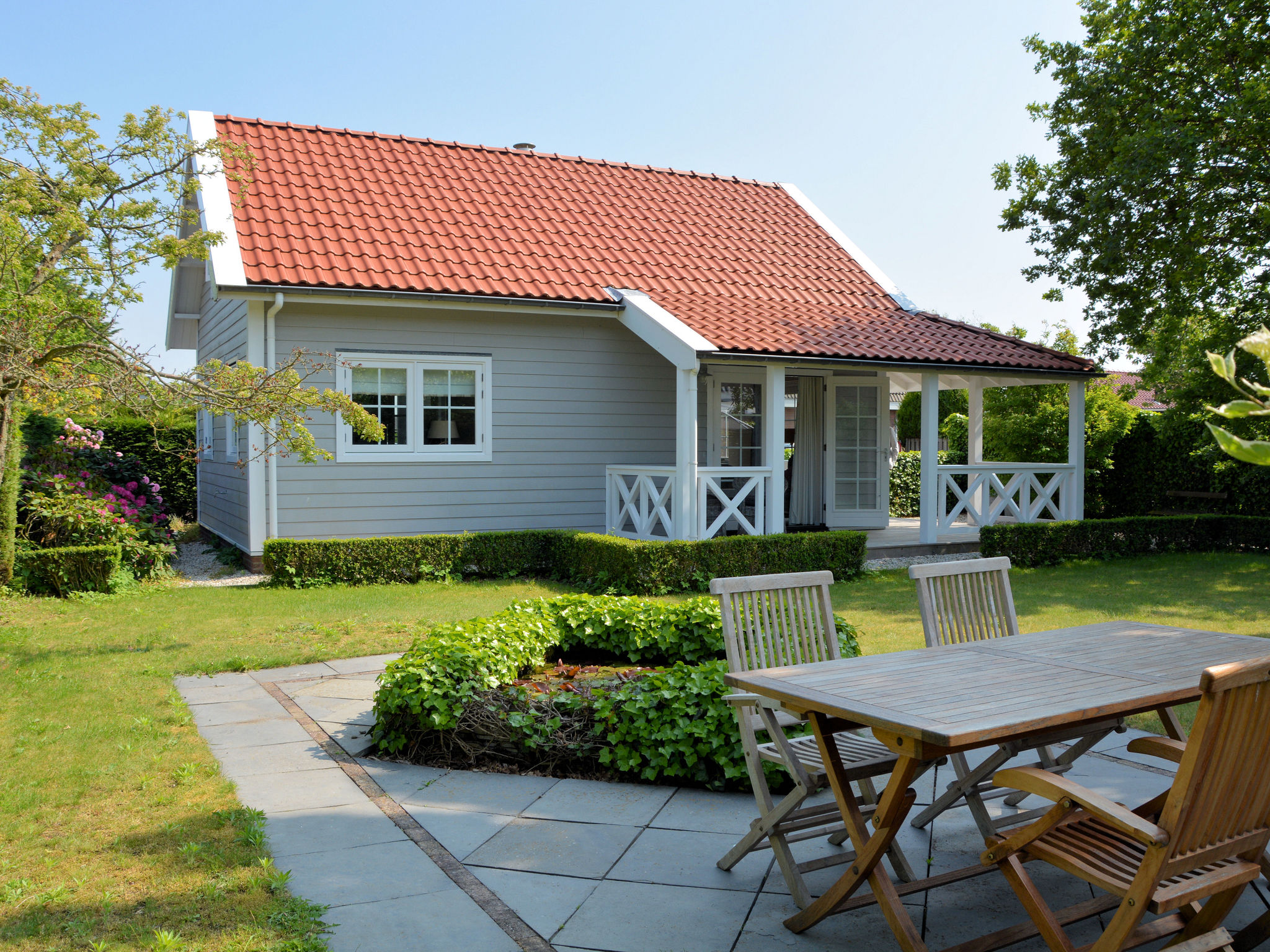 Holland | North Sea Coast South | Holiday home Searose | all year | GardenSummer