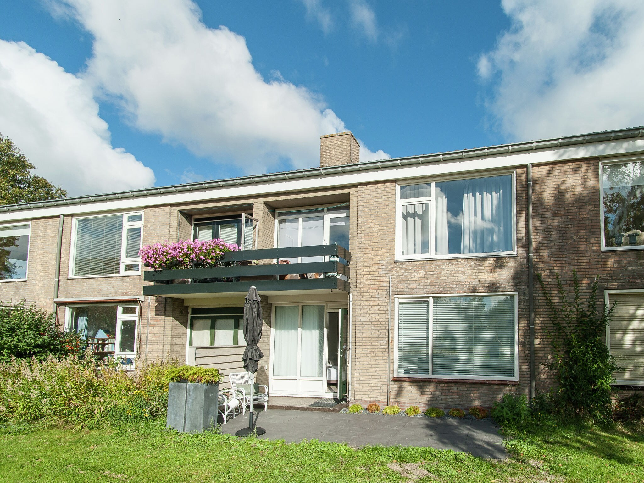 Holland | North Sea Coast North | Holiday home Bergenshofje | all year | ExteriorSummer
