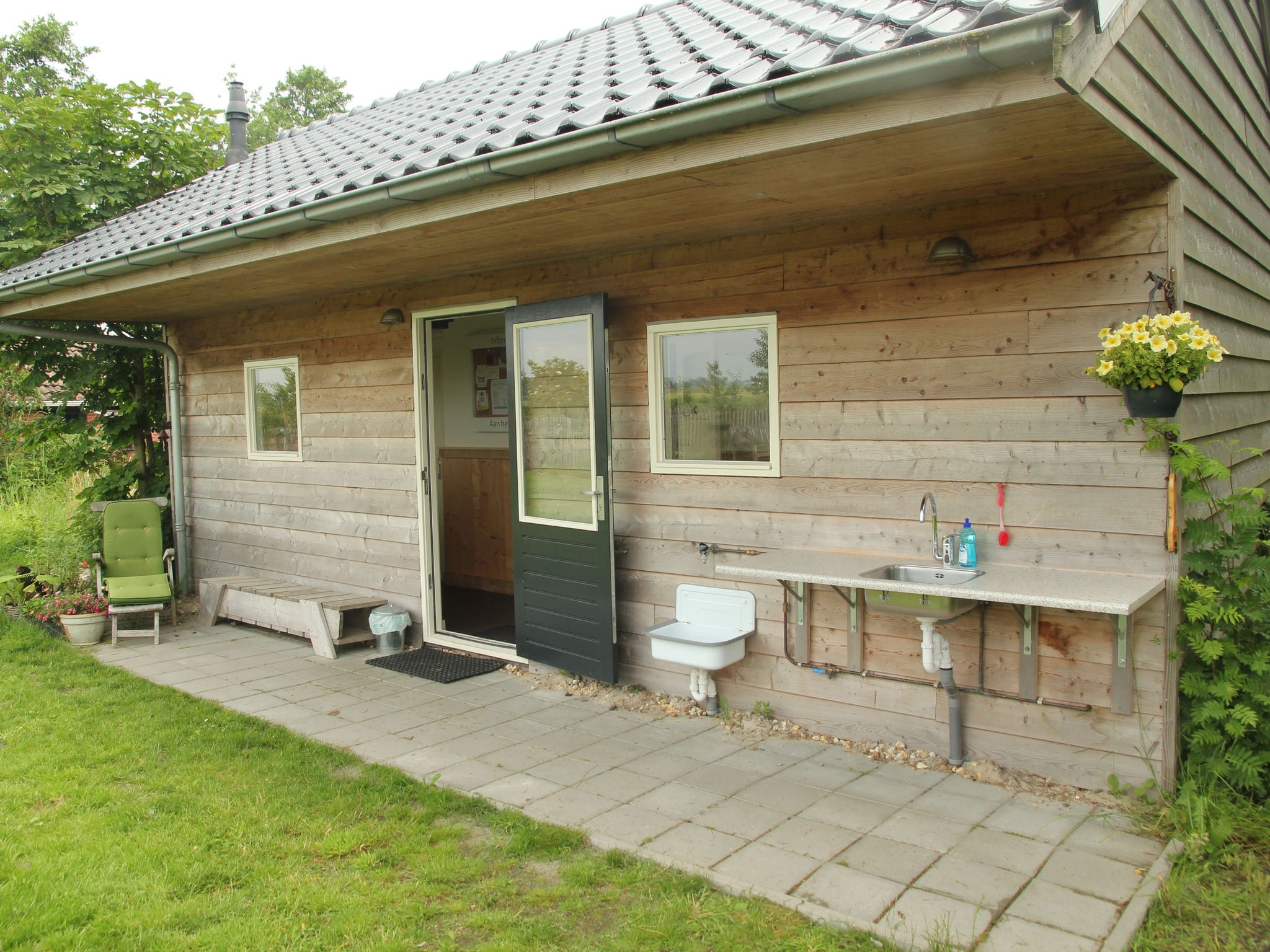 Holland | Groningen | Holiday home Pipowagen Groningen | all year | BathRoom