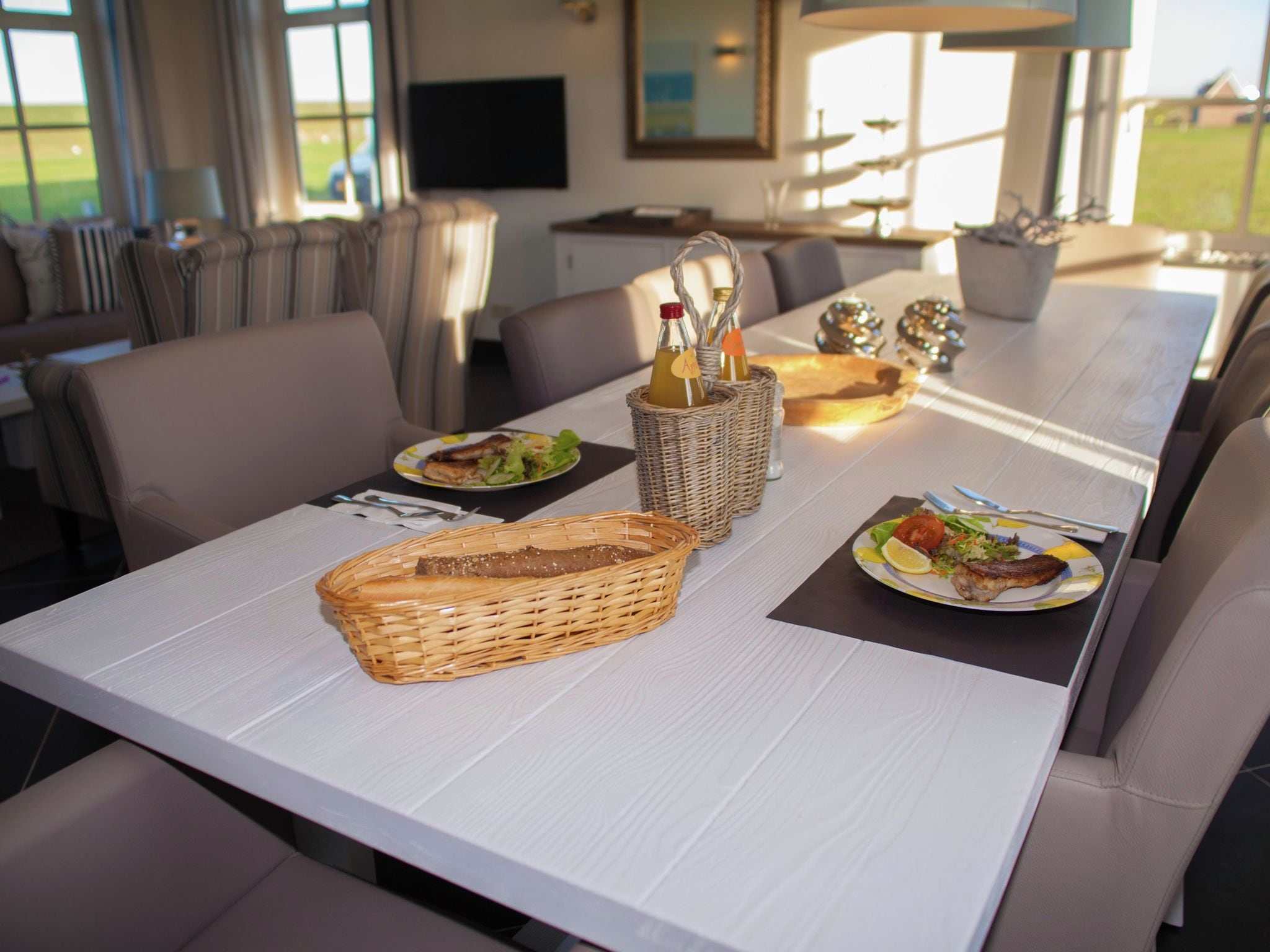 Holland | Zeeland | Holiday home Zeeuwse Pracht Kindervilla | all year | DiningRoom