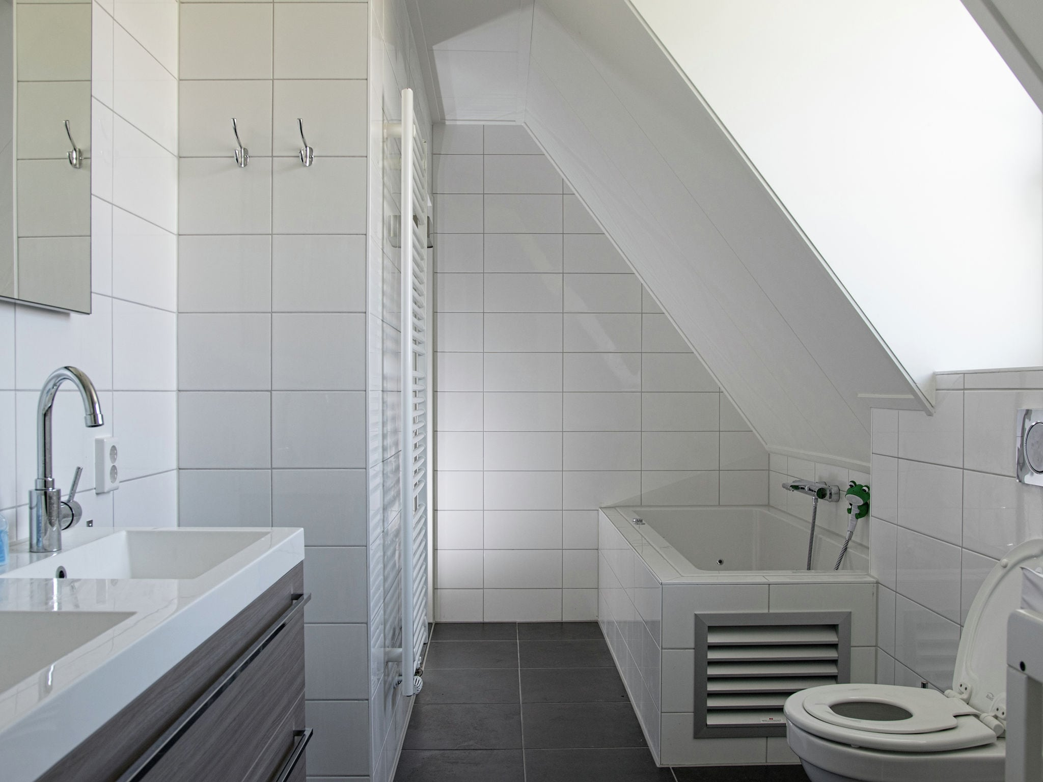 Holland | Zeeland | Holiday home Zeeuwse Pracht Kindervilla | all year | BathRoom