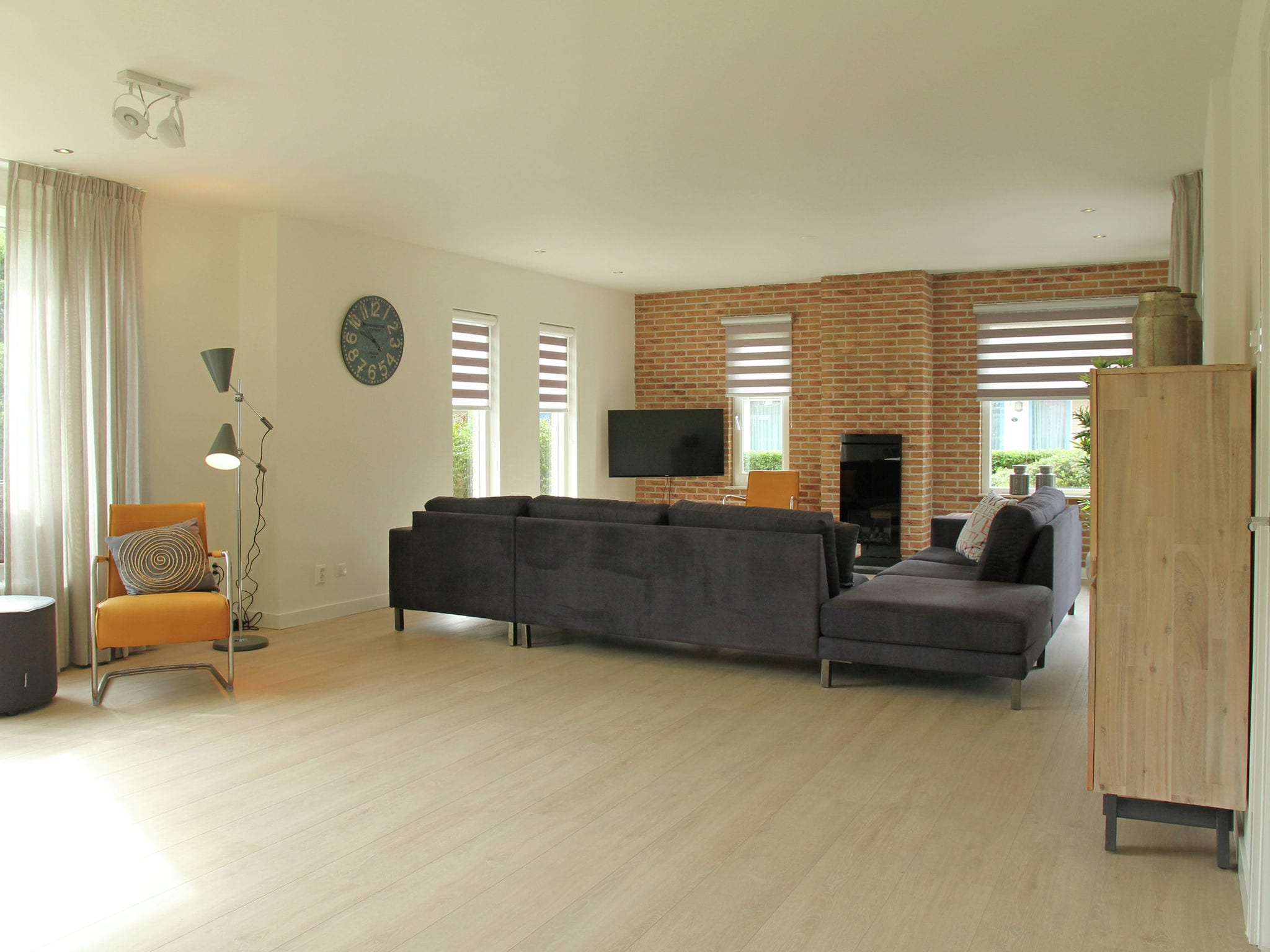 Holland | North Sea Coast North | Holiday home Zonnig Strand | all year | LivingRoom