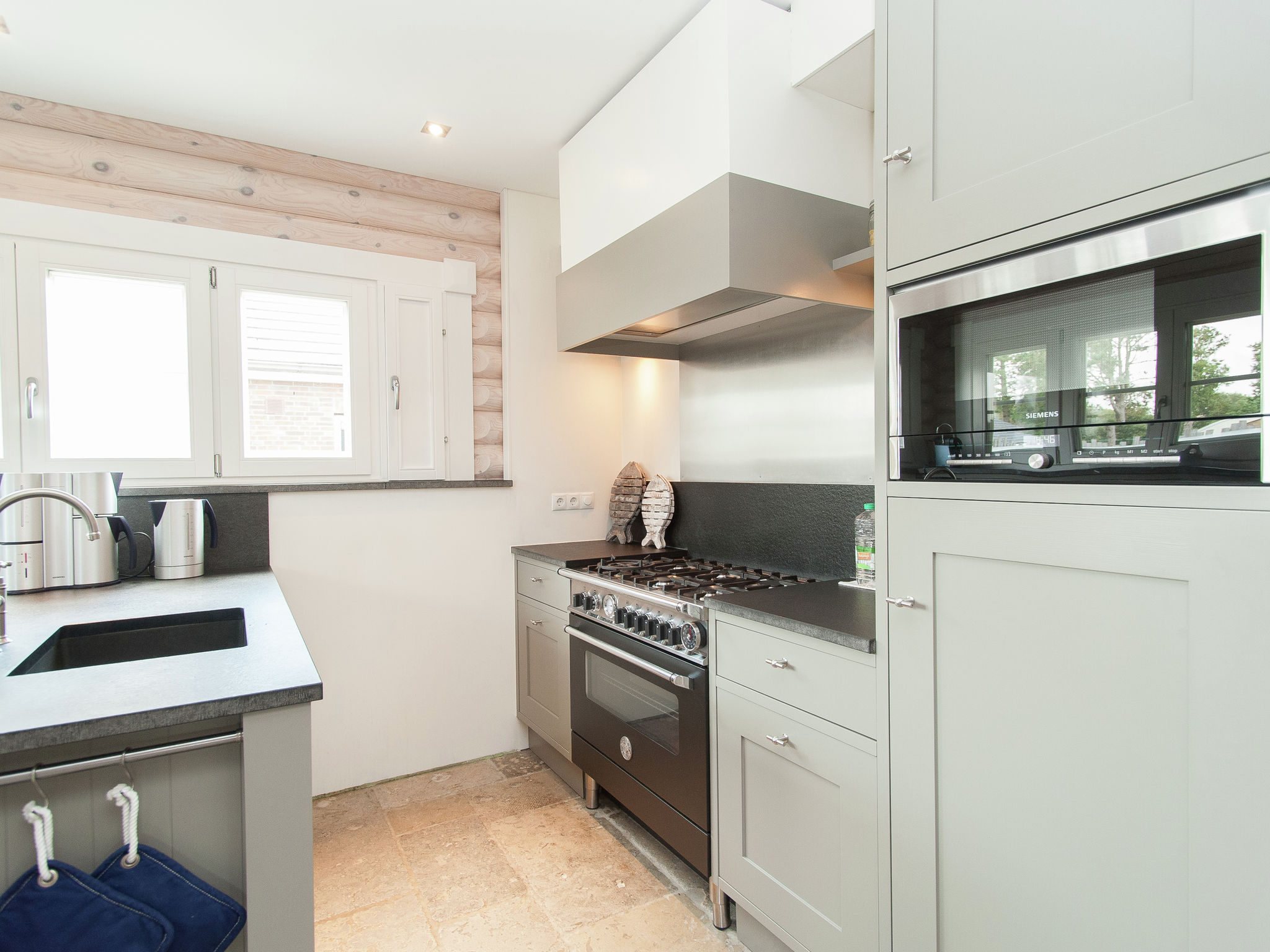 Holland | North Sea Coast North | Holiday home de Pierewaaier | all year | Kitchen