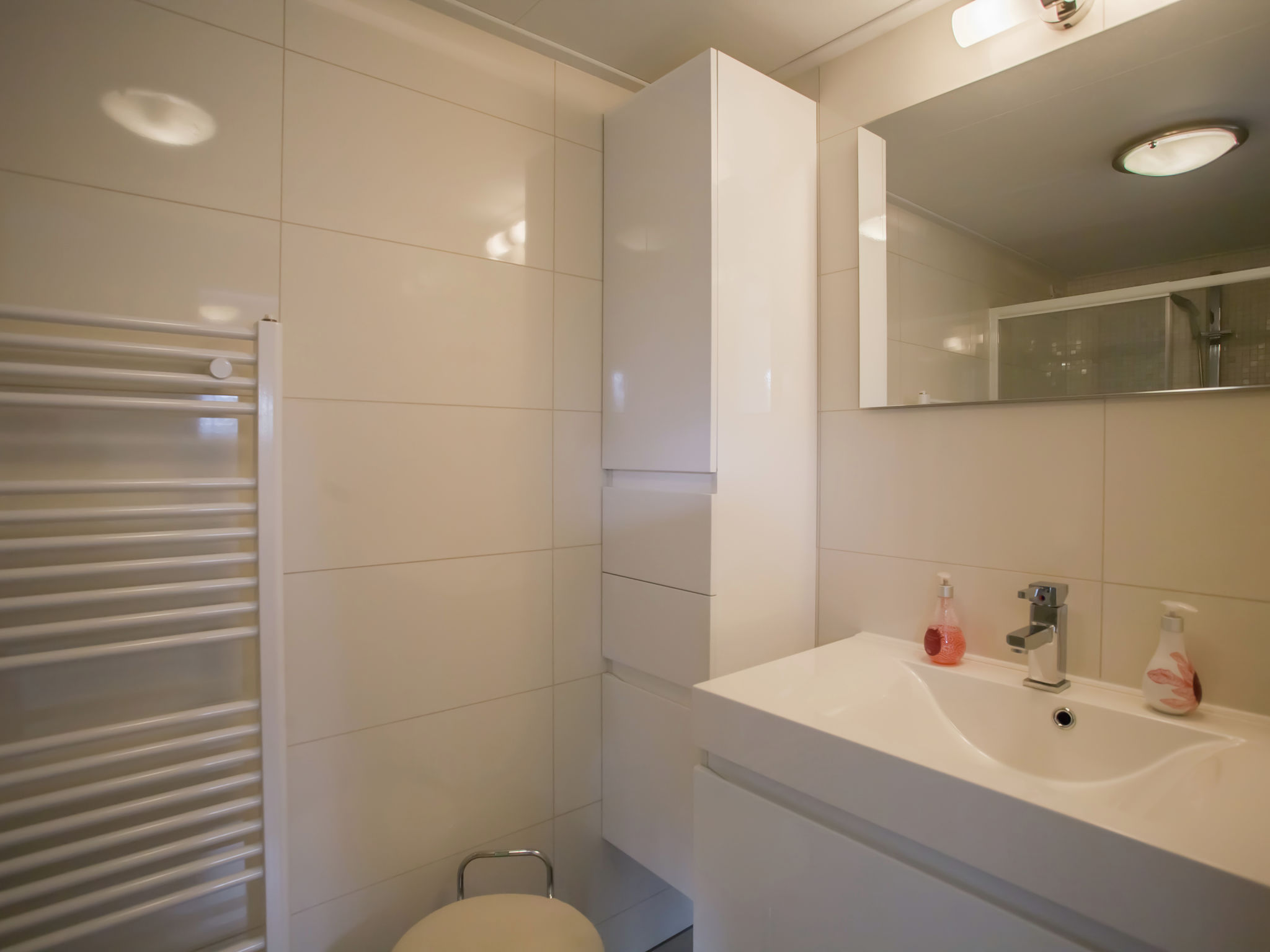 Holland | Zeeland | Holiday home Charming Oosterschelde | all year | BathRoom