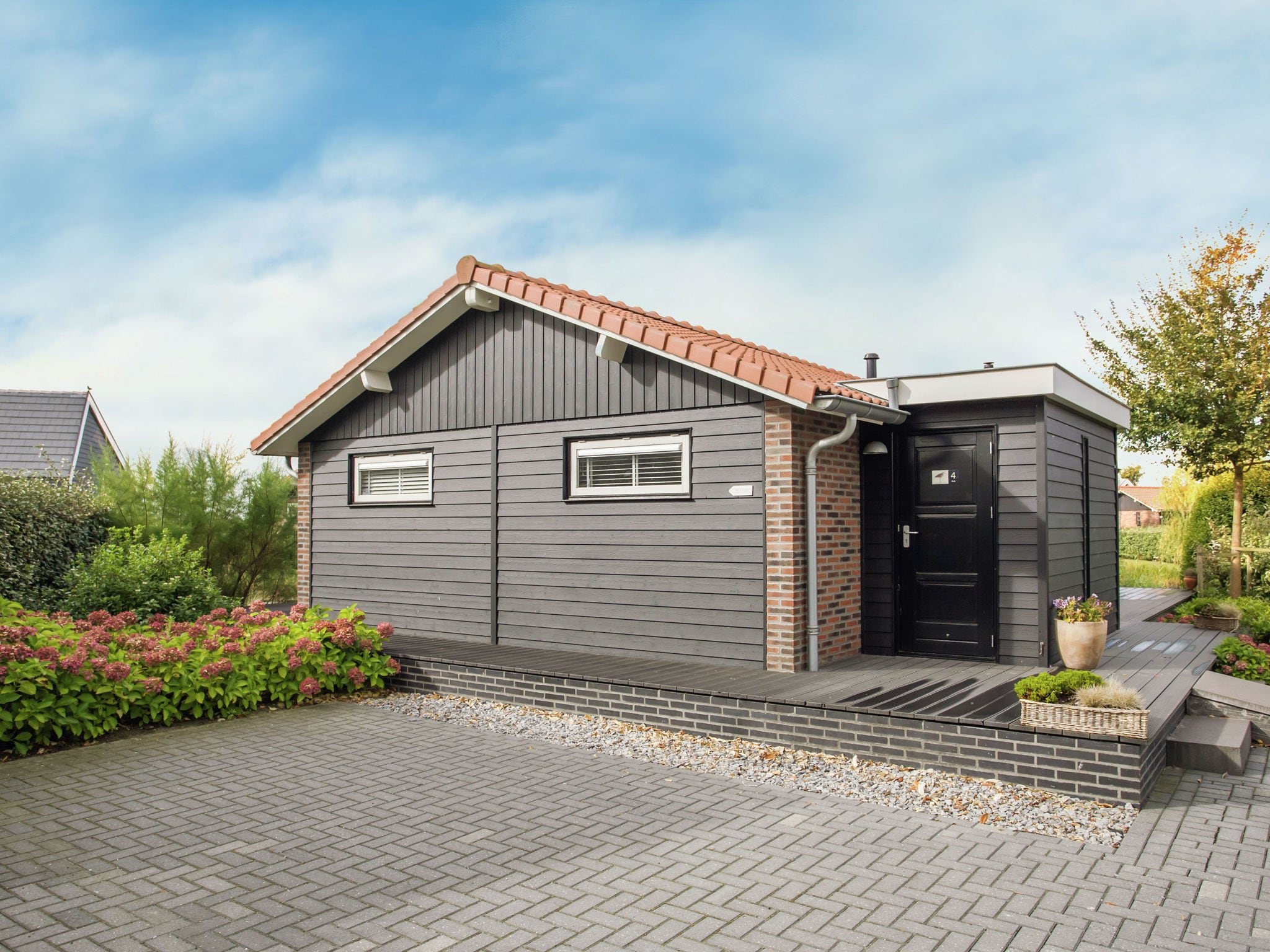 Holland | Zeeland | Holiday home Charming Oosterschelde | all year | ExteriorSummer