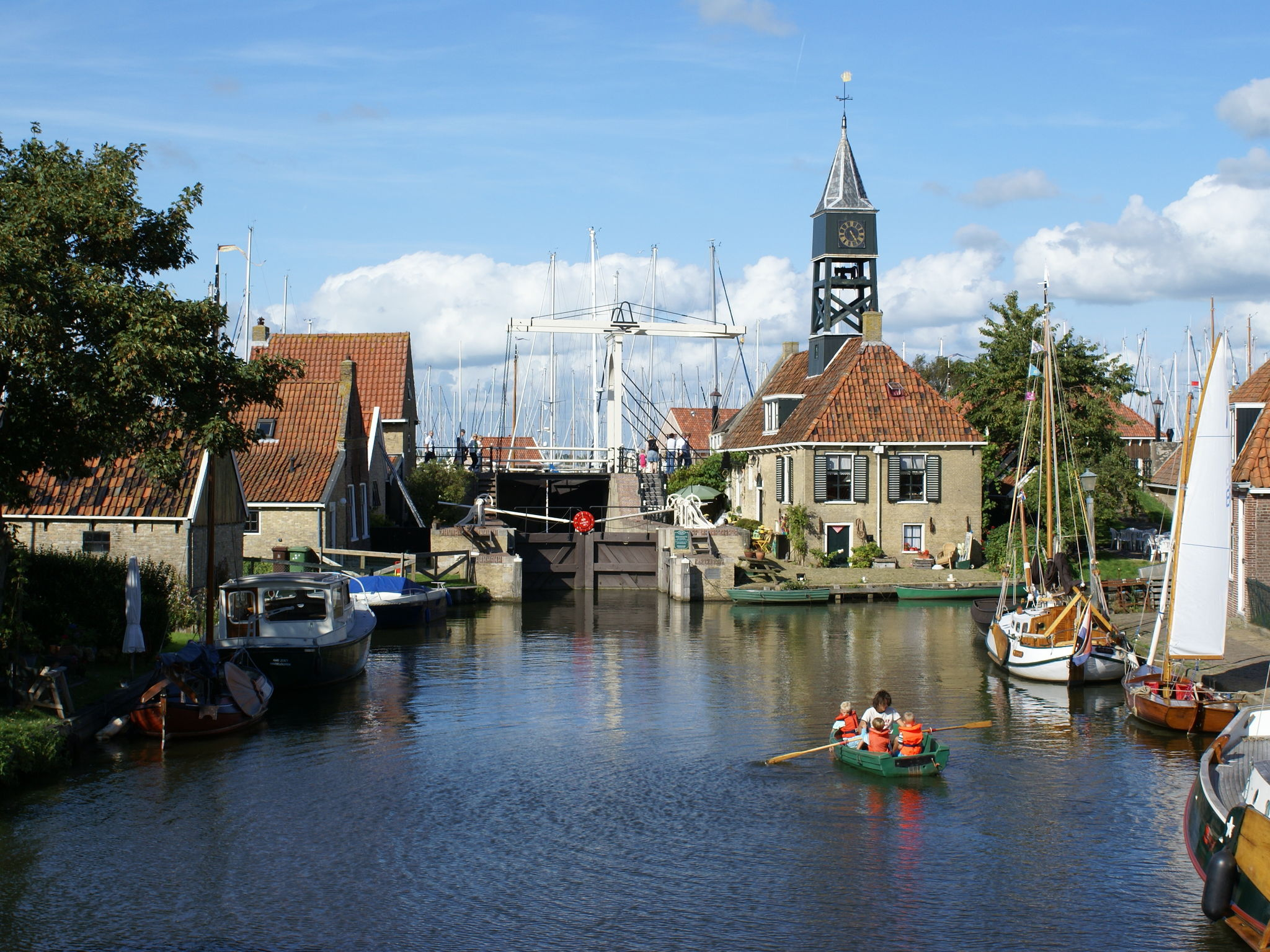 Holland | Friesland | Holiday home Skippers Inn | all year | AreaSummer5KM