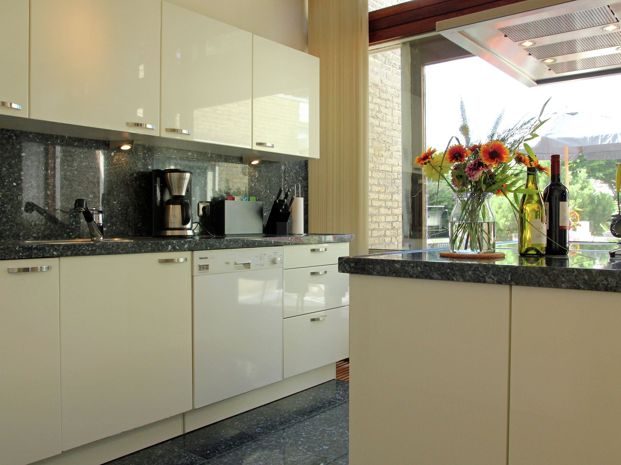 Holland | North Sea Coast North | Holiday home Kleurrijk Petten | all year | Kitchen