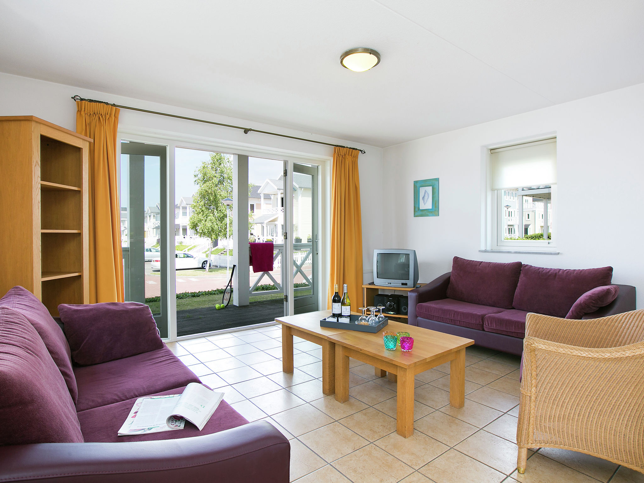 Holland | North Sea Coast South | Holiday home Cape Helius - Bungalow CBL | all year | LivingRoom