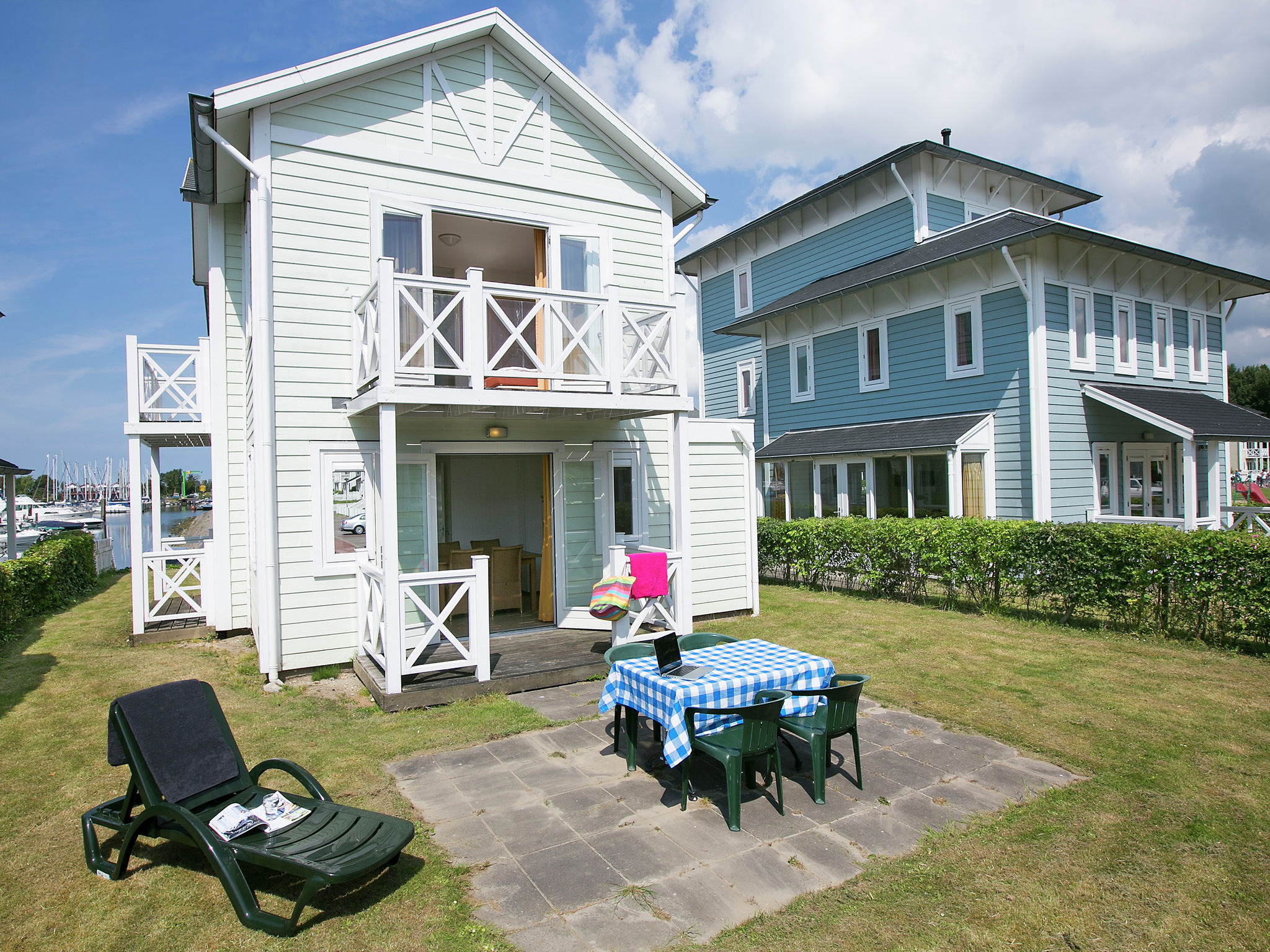 Holland | North Sea Coast South | Holiday home Cape Helius - Bungalow CBL | all year | ExteriorSummer