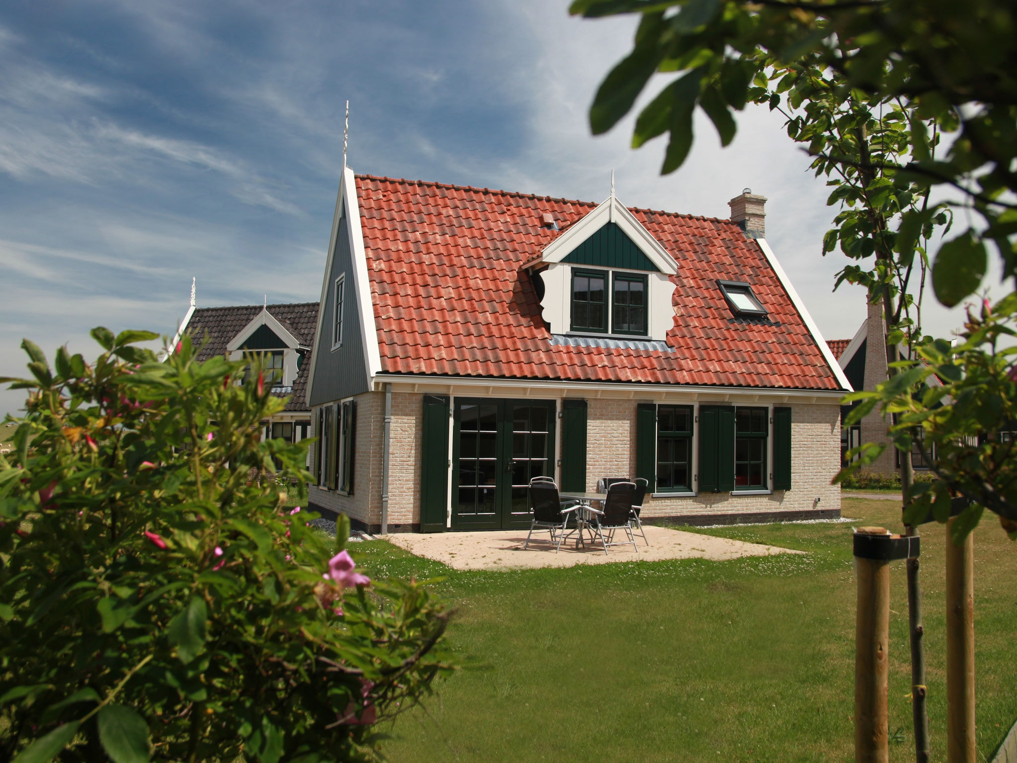 Holland | North Sea Coast North | Holiday home Recreatiepark Wiringherlant - Anno Nu 5 | all year | ExteriorSummer