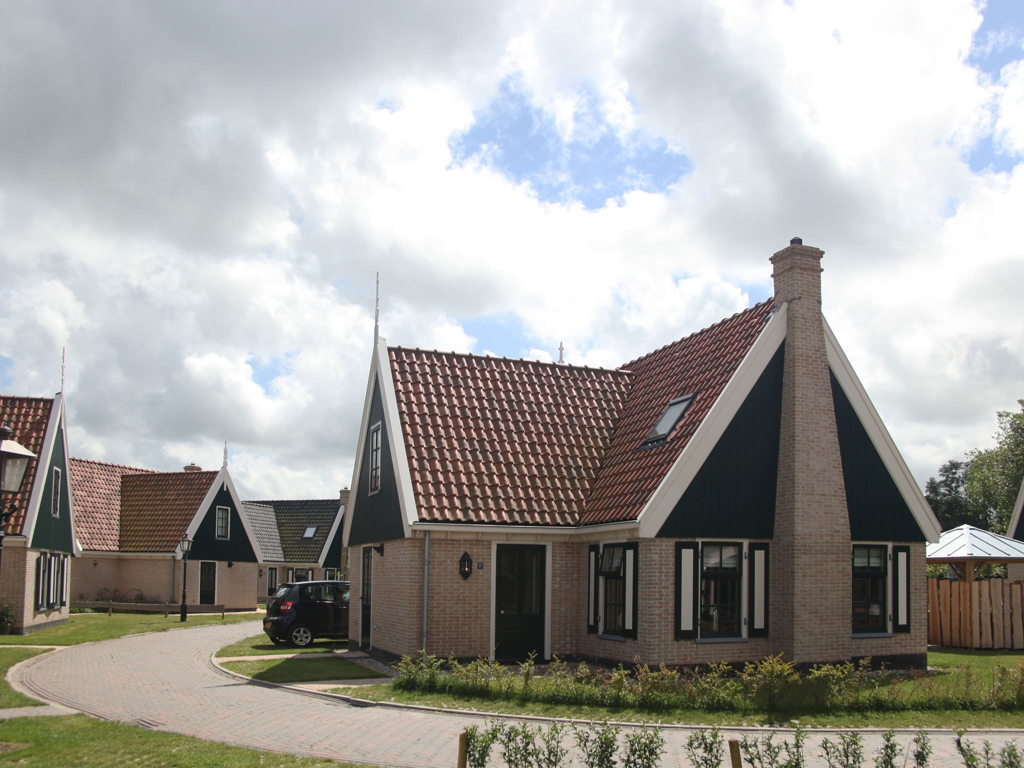 Holland | North Sea Coast North | Holiday home Recreatiepark Wiringherlant - Anno Nu 15 | all year | ExteriorSummer