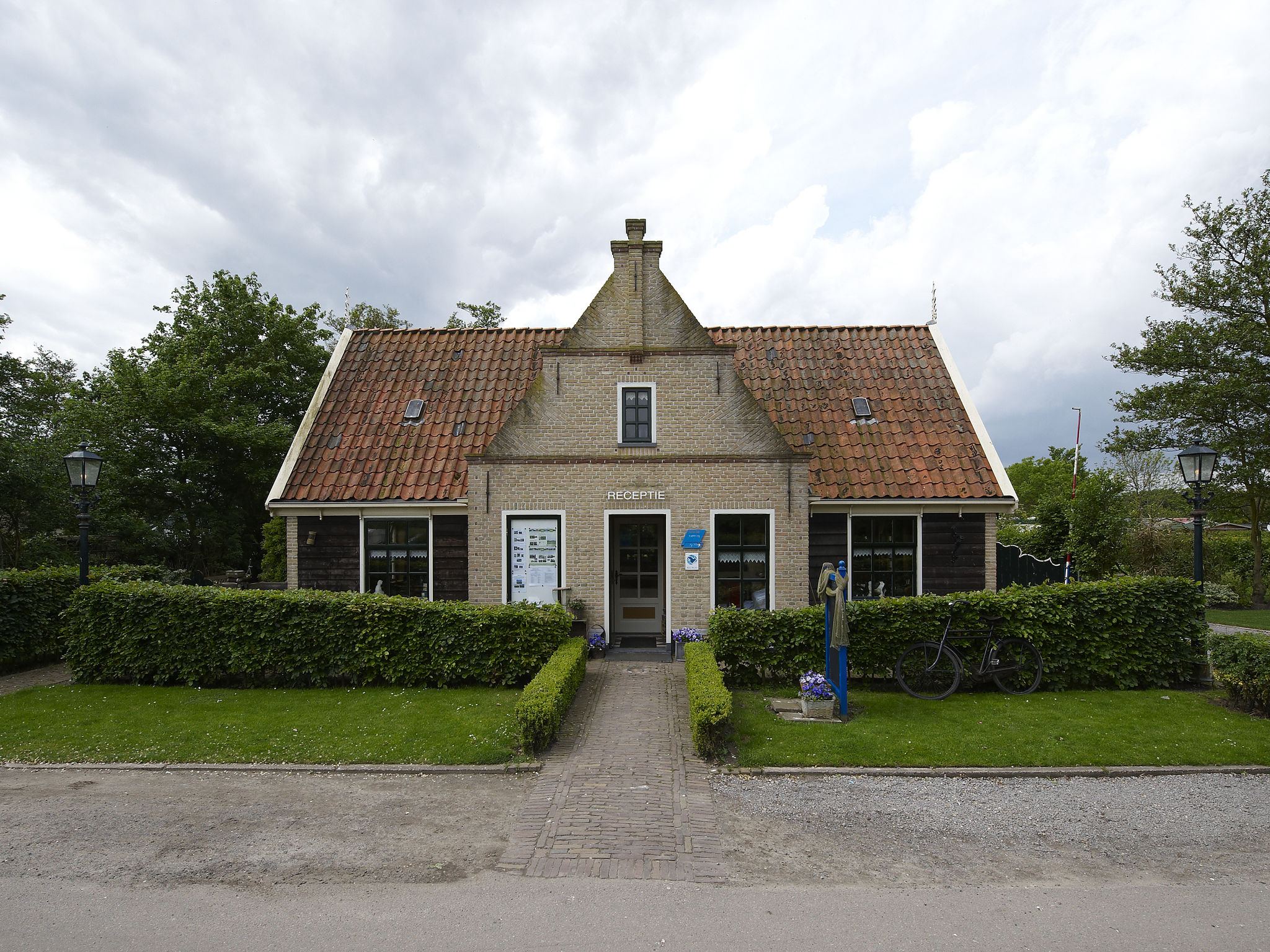 Holland | North Sea Coast North | Holiday home Recreatiepark Wiringherlant - Anno Nu 14 | all year | HallReception
