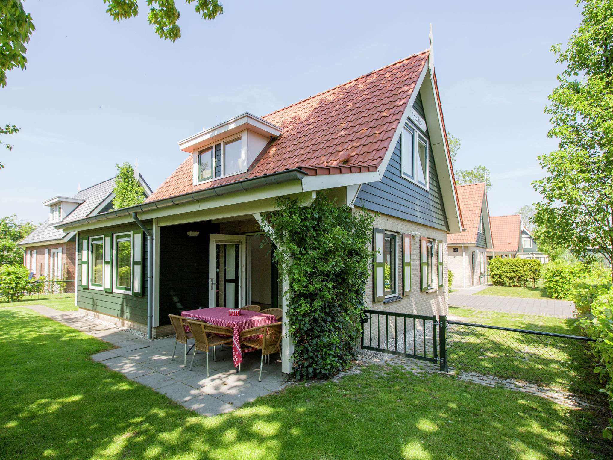 Holland | Zeeland | Holiday home Arcadia | all year | GardenSummer