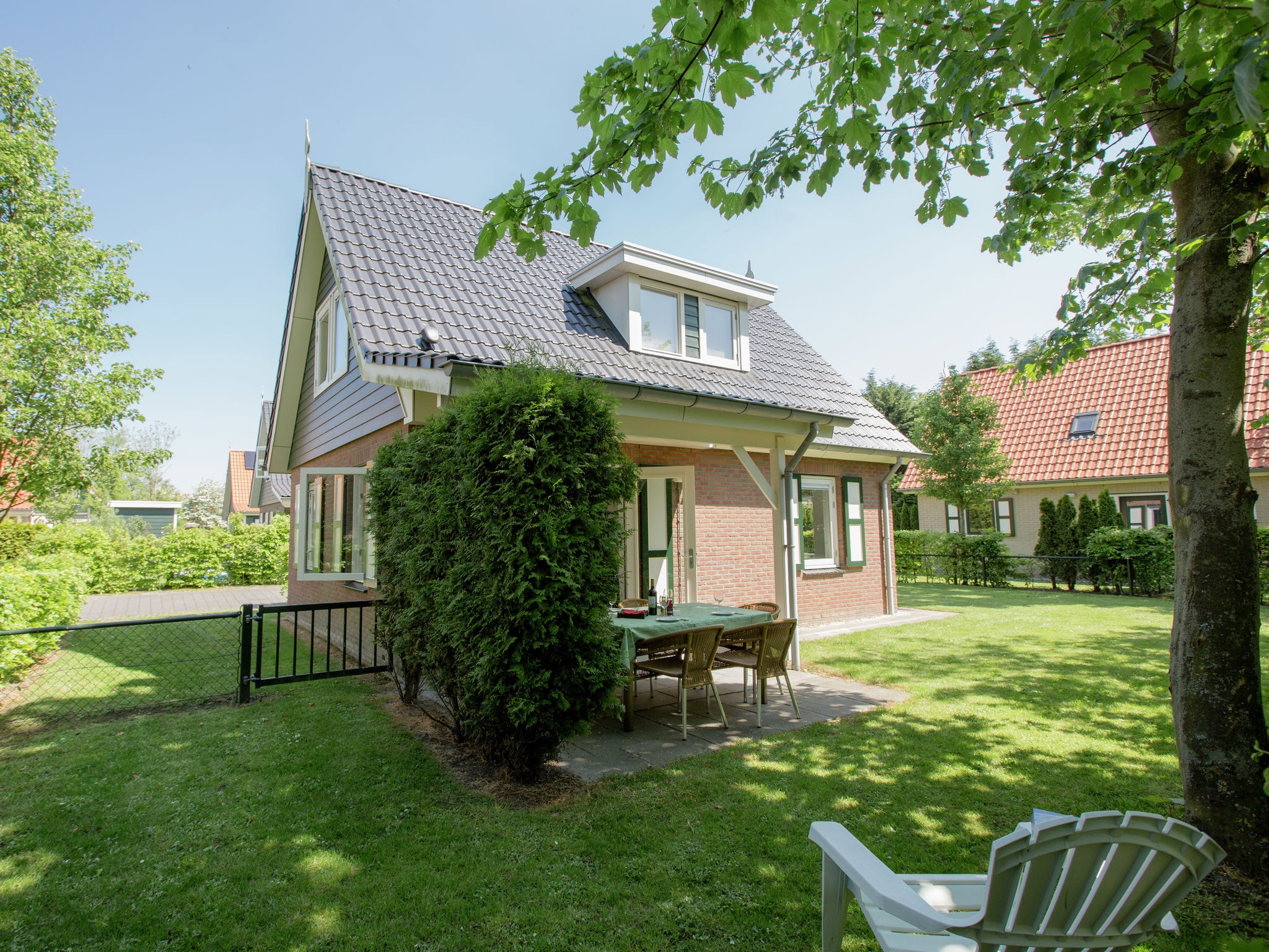 Holland | Zeeland | Holiday home De Esdoorn | all year | GardenSummer