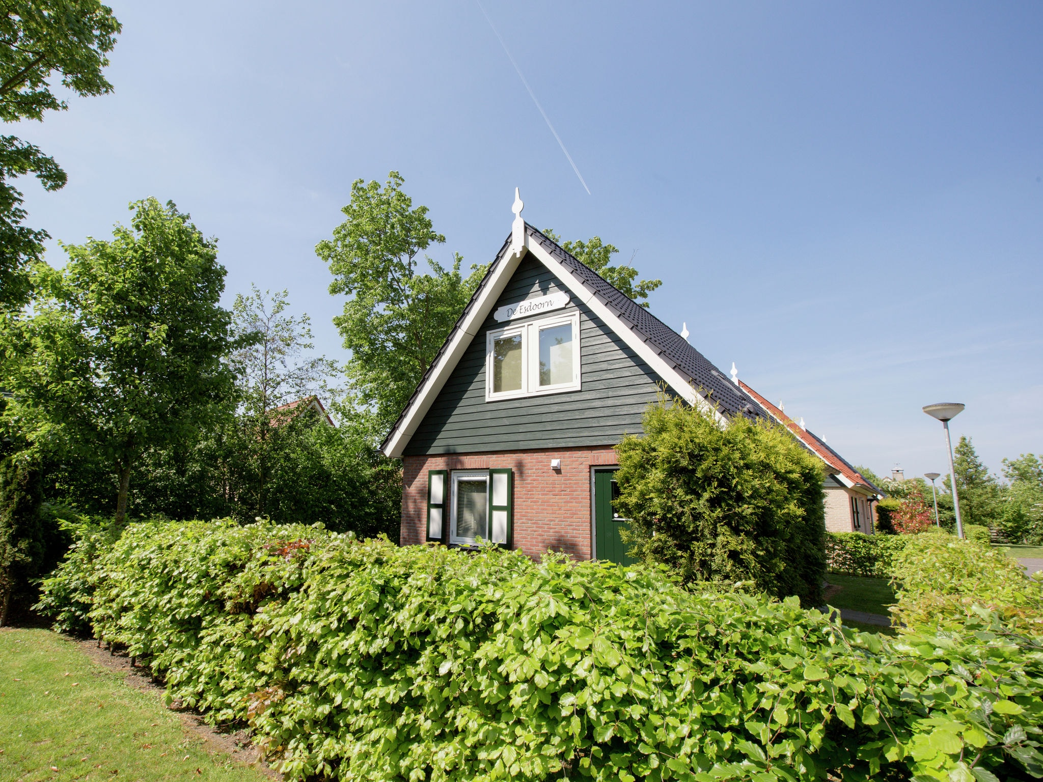 Holland | Zeeland | Holiday home De Esdoorn | all year | ExteriorSummer