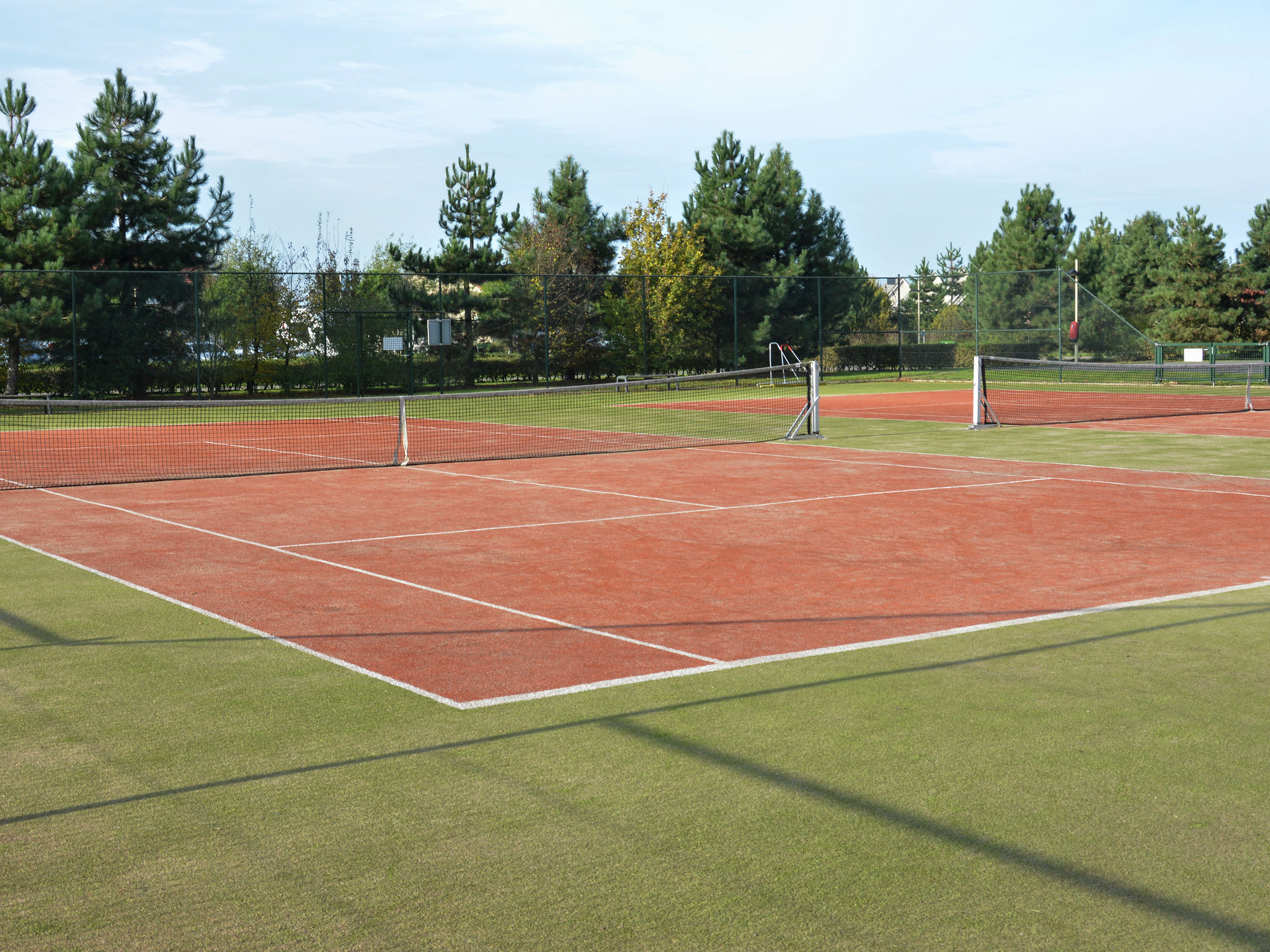 FacilitiesTenniscourt