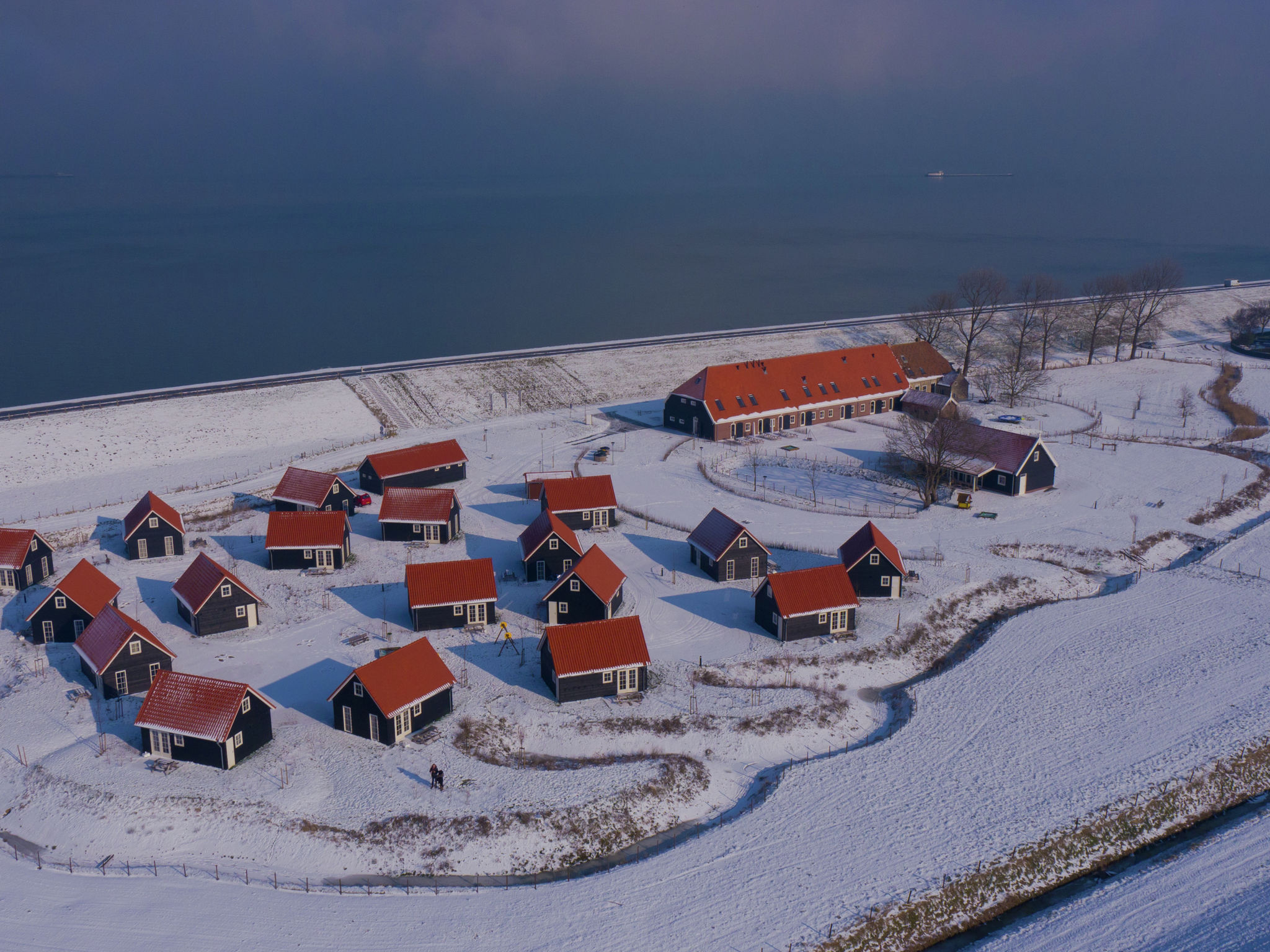 Holland | Zeeland | Holiday home Recreatiepark de Stelhoeve - Oosterschelp 5 | all year | AreaWinter1KM