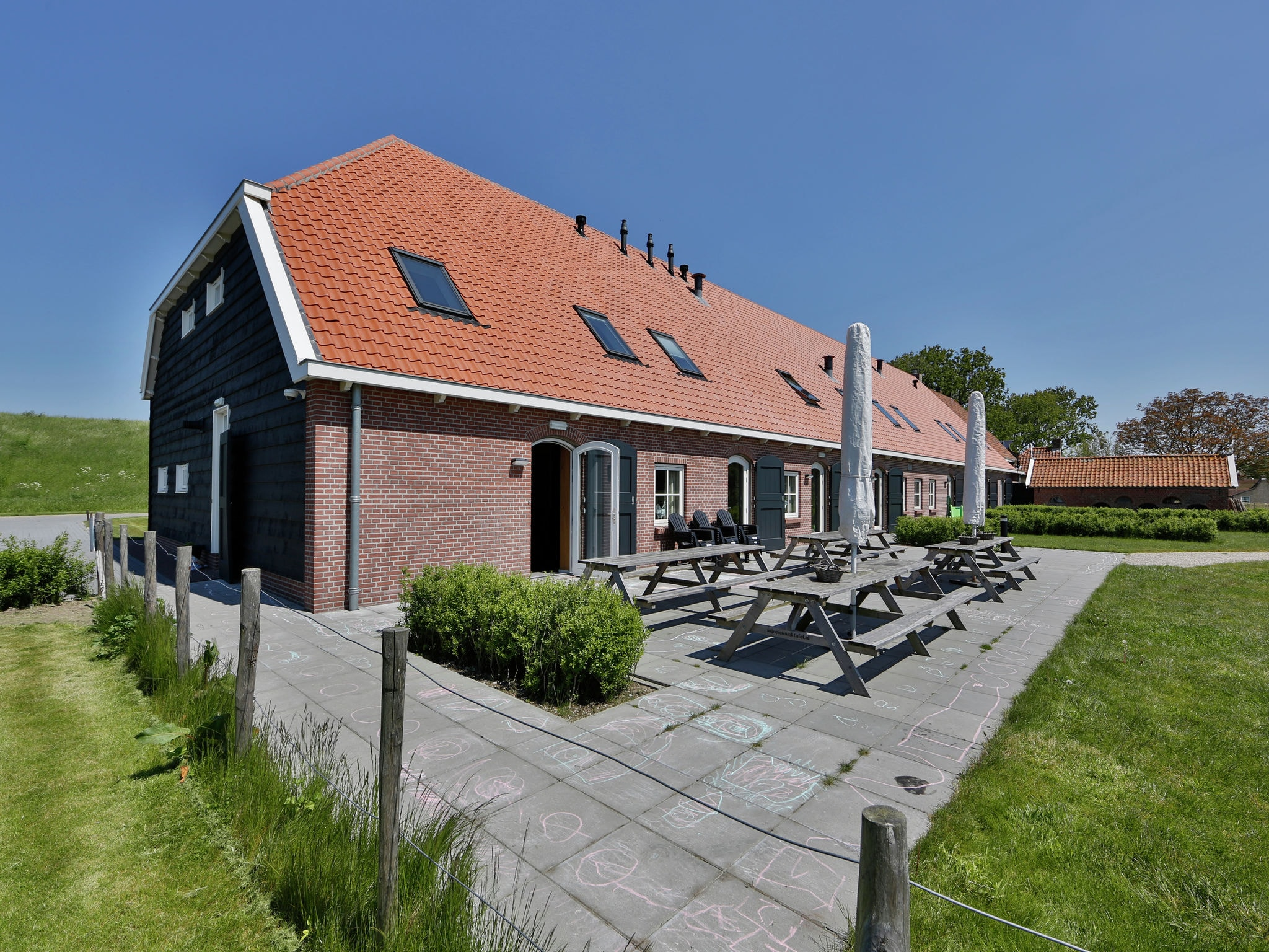 Holland | Zeeland | Holiday home Recreatiepark de Stelhoeve - Familiehuis Oostersch | all year | ExteriorSummer