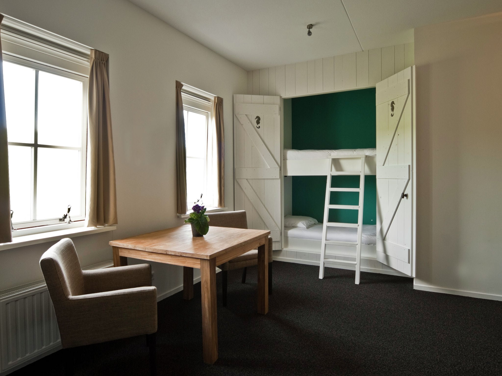 Holland | Zeeland | Holiday home Recreatiepark de Stelhoeve - Familiehuis Oostersch | all year | BedRoom