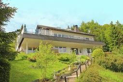 Vacation home Villa Hoppeckeblick 16-pers