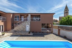 Apartment Complex Valtrazza with Common Pool Apartment Noa III in Villa Valtrazza with Balcony and Pool View
