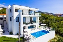 Luxury Villa Arly