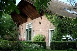 Vacation home De Rozenhof