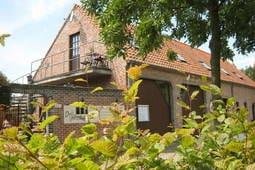 Apartment De Drij Poorten