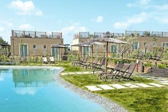 Wat een beauty! je verblijft in toscana biovillage, een splinternieuw vakantiepark op slechts 7 km van de ...