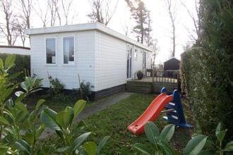 Chalet Kamperland EUR-NL-6700-01