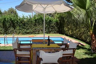 Villa Almond