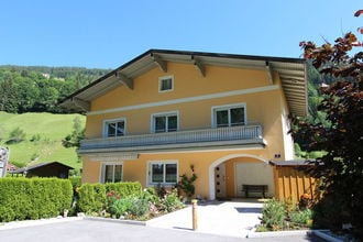 Chalet Zell Am See EUR-AT-5700-77