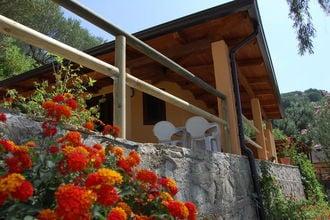 Vakantiehuizen Campania EUR-IT-84066-02