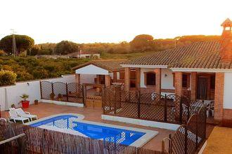 Villa Barbate EUR-ES-05384-01