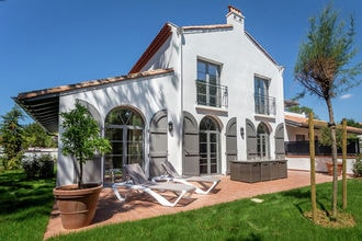 Vakantiehuizen Pyrénées Atlantiques EUR-FR-64200-09