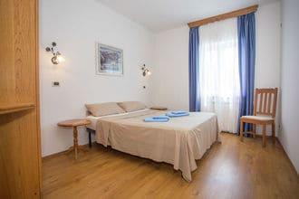 Apartment Complex Villa Maja in Tar \/ Two-Bedroom Apartment Maja I with Shared Pool