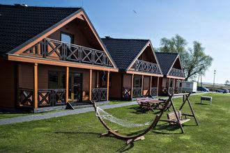 House Jamno Lake