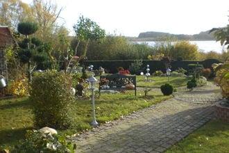 Haus Am See mit Kamin und Bootssteg