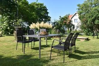 Romantische Ferienwohnung an der Ostsee mit Garten