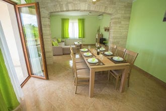 Holiday House Rossana with Private Pool and Garden