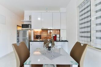 Cozy apartment Vir1
