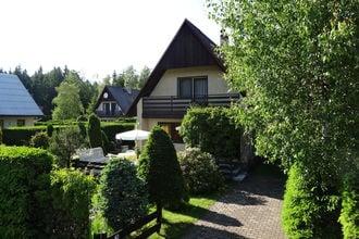 Velke darko is een eenvoudig maar comfortabel ingericht huisje met 3 slaapkamers (80 m) op de achterkant hek ...