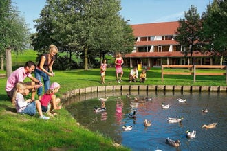Vakantiehuizen Schouwen Duiveland EUR-NL-4311-06