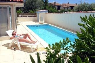 Villa Tourbes Languedoc Roussillon Frankrijk EUR-FR-34120-06
